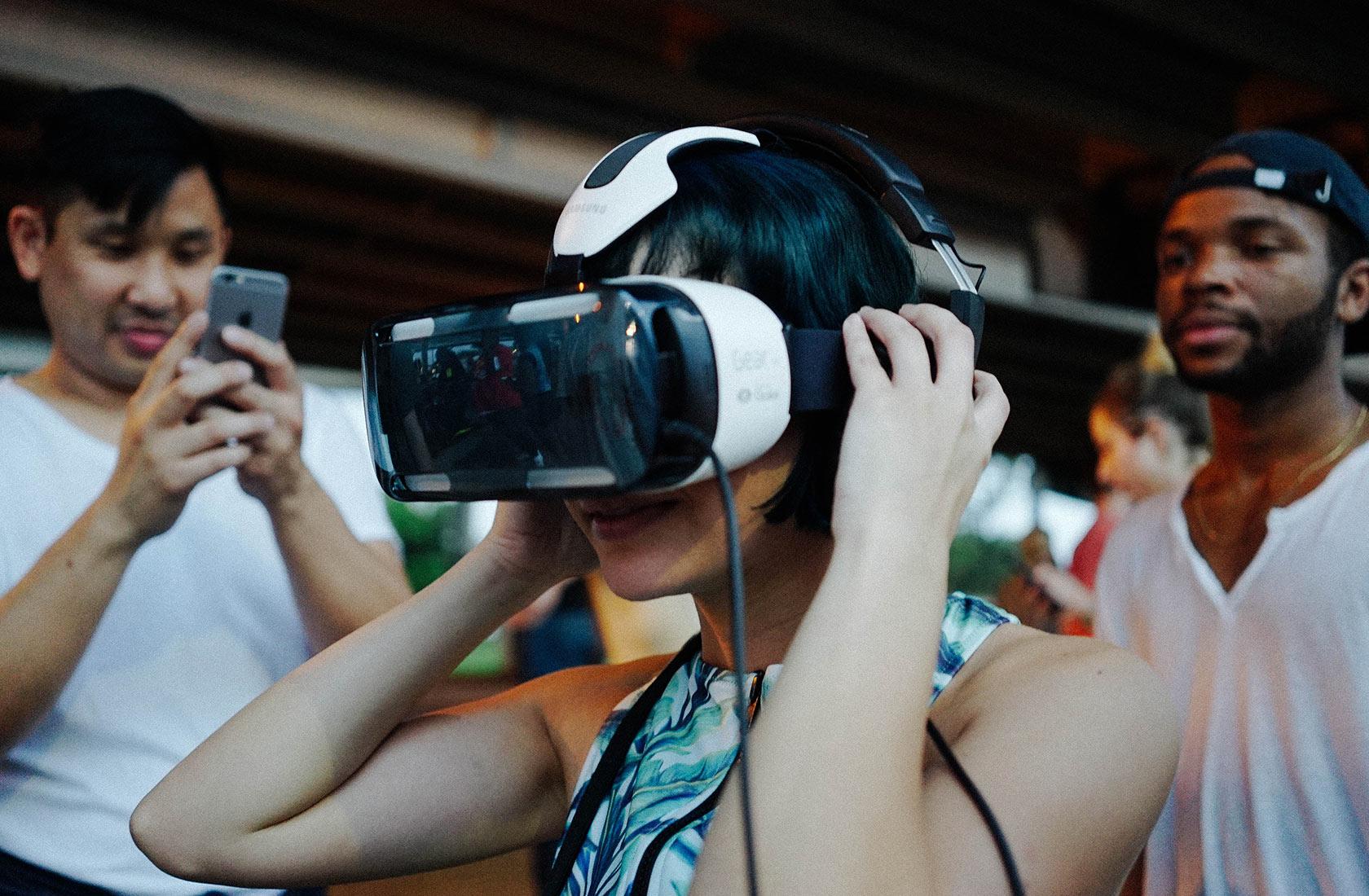Samsung Gear VR Refinery 29